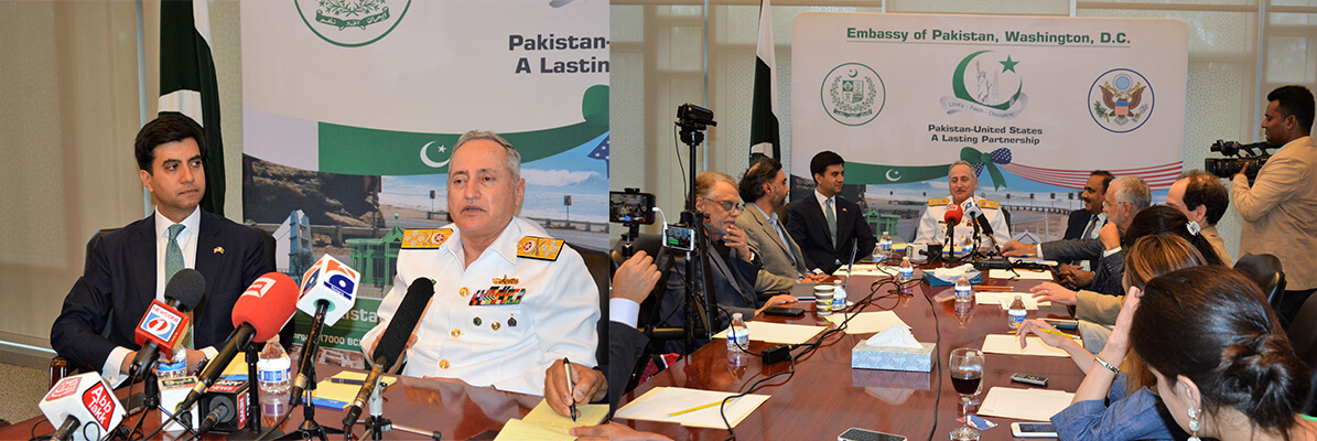 Chief-of-Naval-Staff-Admiral-Zafar-briefed-Pakistani-and-American-media