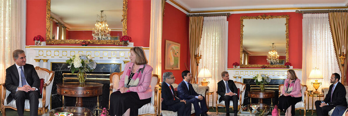 Foreign-Minister-Shah-Mahmood-Qureshi-received-Ms.-Emma-Cochrane