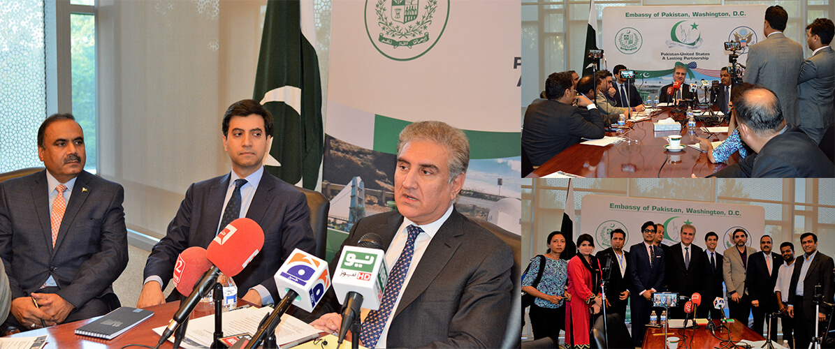 Foreign-Minister-Shah-Mahmood-Qureshi-briefing-Pakistani-mediapersons